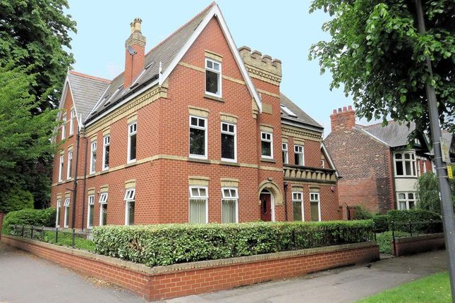 Thumbnail Flat for sale in Park Avenue, Hull
