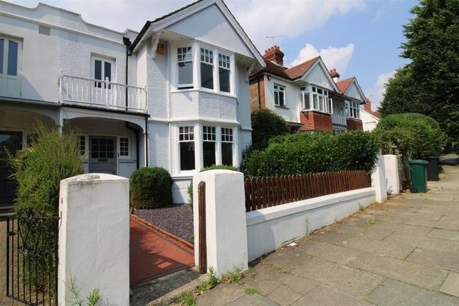 Thumbnail Property to rent in Wilbury Crescent, Hove