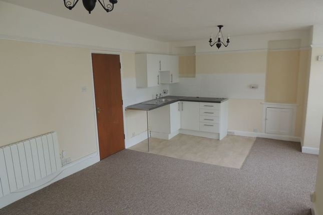 1 bed flat to rent in The Lanes, High Street, Ilfracombe EX34