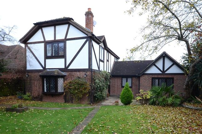 Thumbnail Detached house for sale in Highfield Lane, Maidenhead, Berkshire