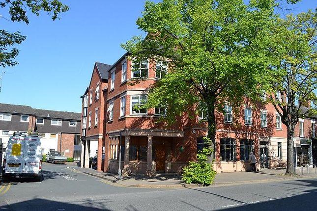 2 bed flat to rent in London Road, Alderley Edge SK9