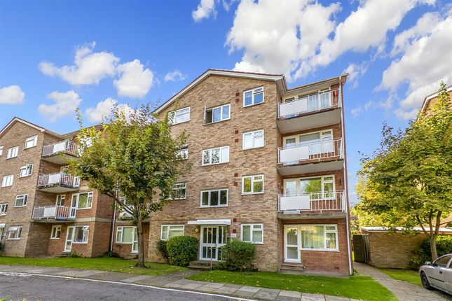 1 bed flat to rent in Elton Close, Kingston Upon Thames KT1
