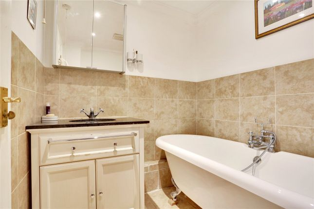 En Suite of Piermont House, 32-34 High Street, Tunbridge Wells, Kent TN1