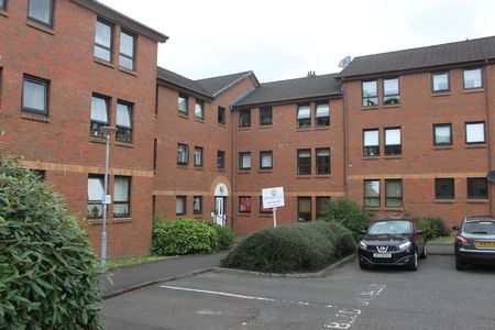 Thumbnail Flat to rent in Polsons Crescent, Paisley