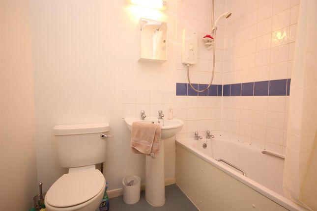Bathroom of Copplestone Drive, Exeter EX4