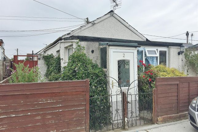 Thumbnail Detached bungalow for sale in Singer Avenue, Grasslands, Jaywick