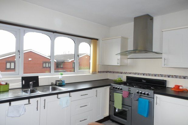 2 bed flat to rent in Cavendish Court, Southport PR9