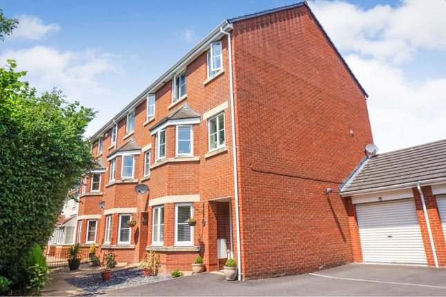 Thumbnail Town house for sale in Severn Drive, Taunton