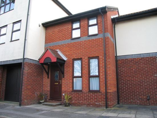 Thumbnail Terraced house to rent in Armory Lane, Portsmouth