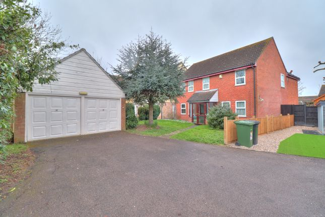 Thumbnail Detached house for sale in Garland Way, Hornchurch