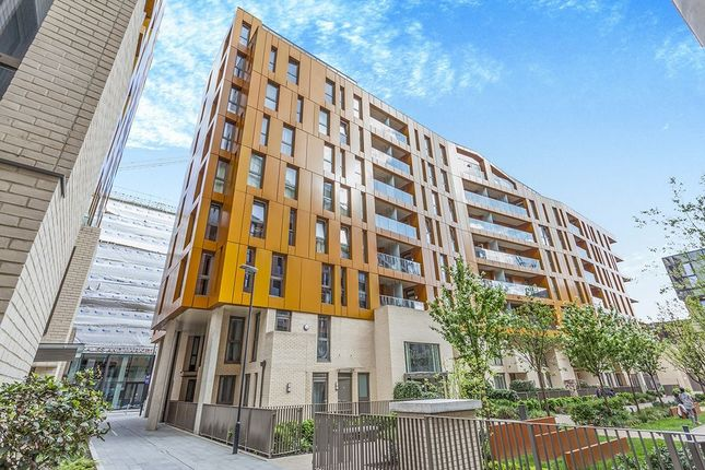 Thumbnail Flat to rent in Cable Walk, Greenwich, London