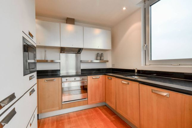 Thumbnail Flat to rent in Queenstown Road, Battersea