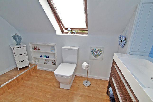 En-Suite of Friday Lane, Gedling Village, Nottingham NG4