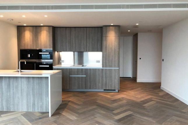 Flat in  Principal Tower  Shoreditch E West London
