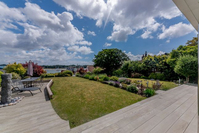 Garden of Green Lane, Hamble, Southampton SO31