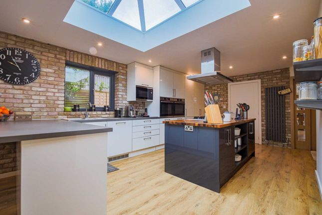 Thumbnail Bungalow for sale in Telford Avenue, Leamington Spa