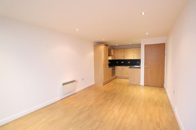 2 bed flat to rent in Warrington Road, Ashton-In-Makerfield WN4