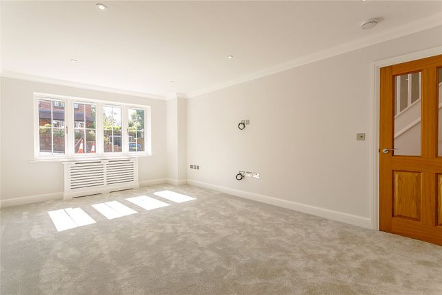 Picture No. 12 of Critchmere Hill, Haslemere, Surrey GU27