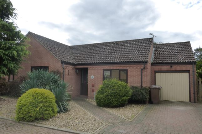 Thumbnail Bungalow to rent in Hawthorn Walk, Beck Row, Bury St. Edmunds