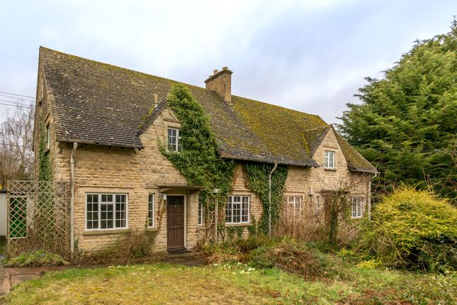 Thumbnail Semi-detached house for sale in Church Close, South Hinksey, Oxford