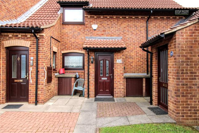 Thumbnail Flat for sale in Kings Court, Grimsby
