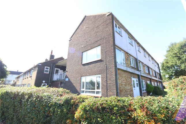 2 bed maisonette to rent in Clay Hill Road, Basildon SS16