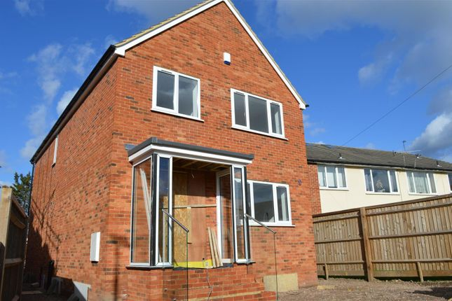 Thumbnail Detached house for sale in Masons Road, Cippenham, Slough