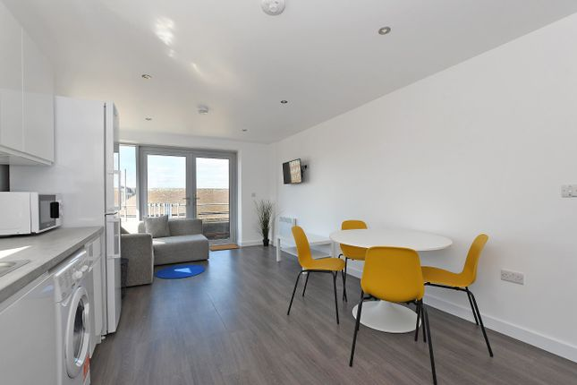 Thumbnail Flat to rent in Apt 8, Belgravia House 2 Rockingham Lane, Sheffield