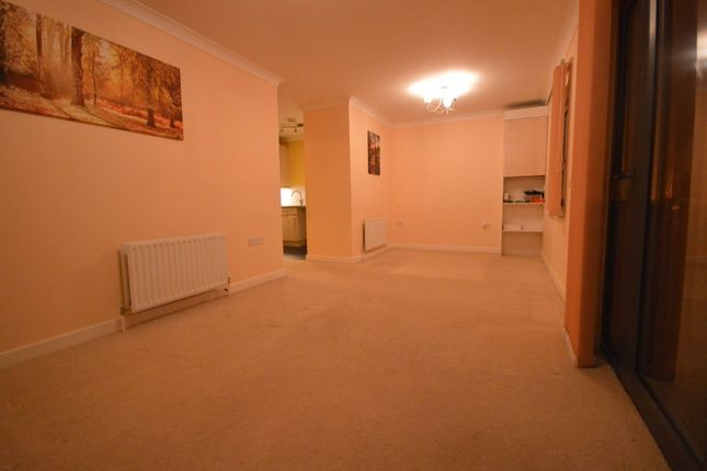 Thumbnail Flat to rent in West Street, Erith