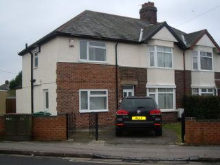 6 bed semi-detached house to rent in Howard Street, East Oxford
