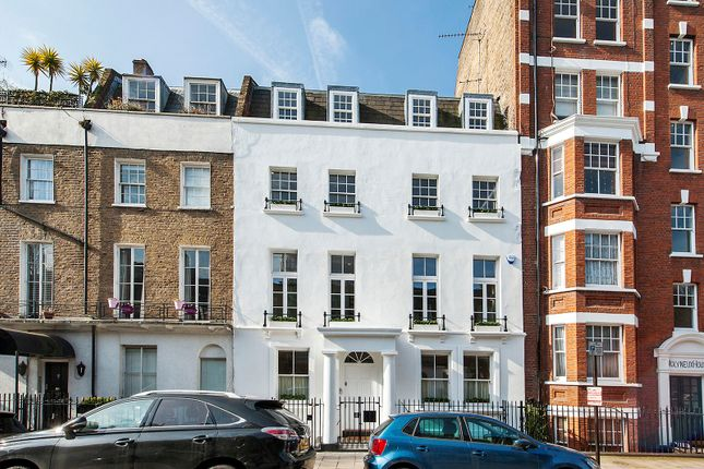 Thumbnail Town house for sale in Molyneux Street, London