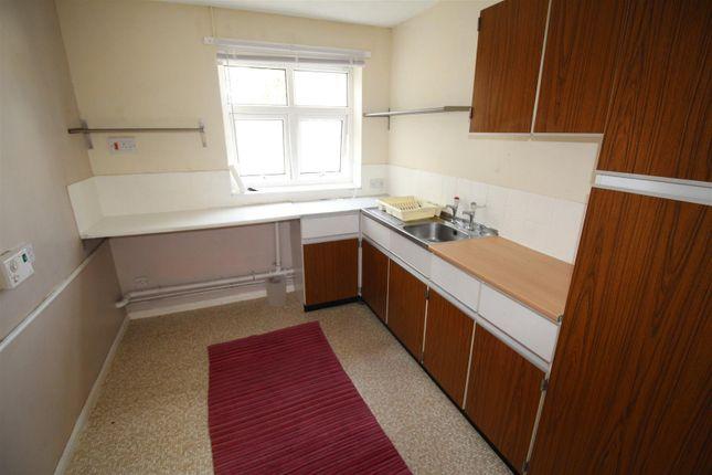 Kitchen of Shipley Fields Road, Shipley BD18