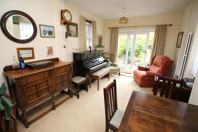 Family Room of Warwick Road, Reading RG2