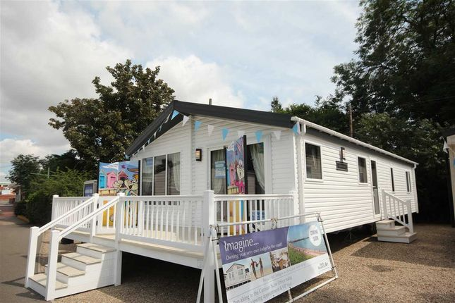 Thumbnail Bungalow for sale in Valley Farm Holiday Park, Willerby, Clearwater 2016, Holland-On-Sea