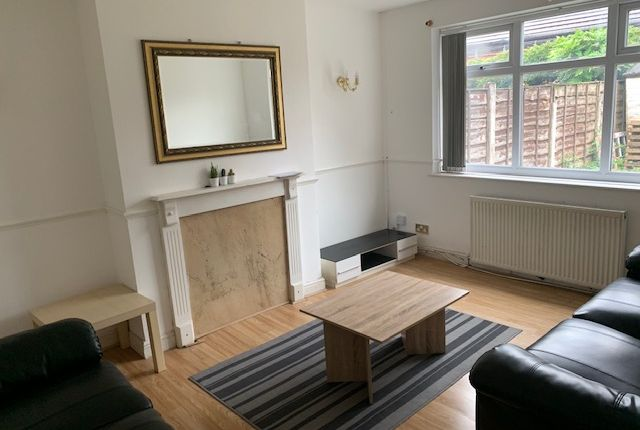 4 bed semi-detached house to rent in Morningside Drive, Manchester M20