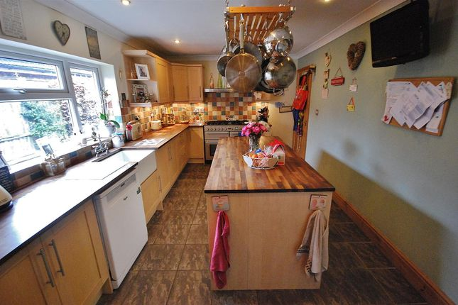 Thumbnail Detached bungalow for sale in Park Lane, Holbeach, Spalding