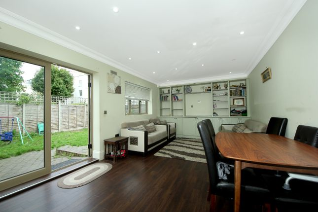 Thumbnail Detached house to rent in Askew Crescent, London