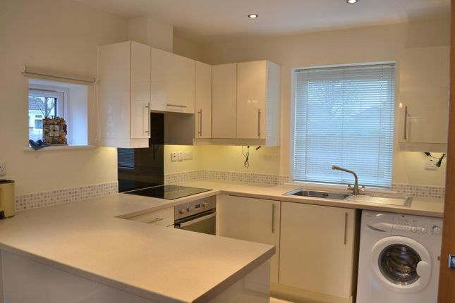 2 bed flat to rent in James Court Frome Road, Bath, Somerset