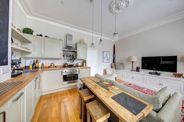 Flat for sale in Old York Road, Wandsworth