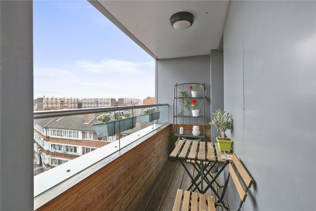Balcony of Gedling Court, Jamaica Road, London SE1