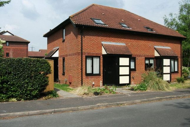 Thumbnail Property to rent in Balliol Drive, Didcot