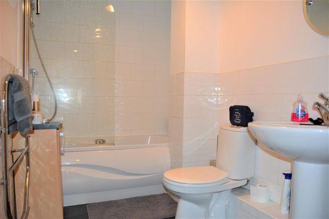 House Bathroom (2)