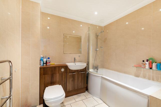 Thumbnail Flat for sale in Anerley Station Road, London