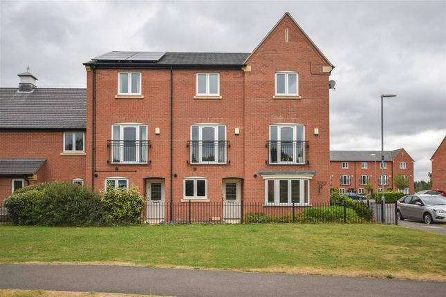 Thumbnail Town house for sale in Highland Drive, Loughborough