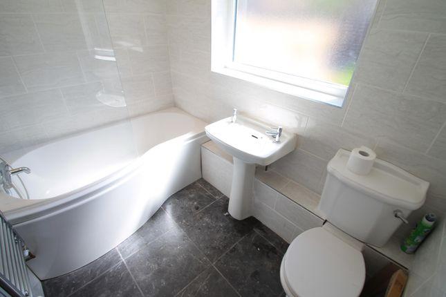 3 bed property to rent in Tavistock Street, Luton LU1