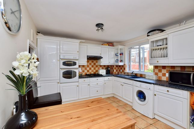 Thumbnail Terraced house for sale in Larch Close, Balham