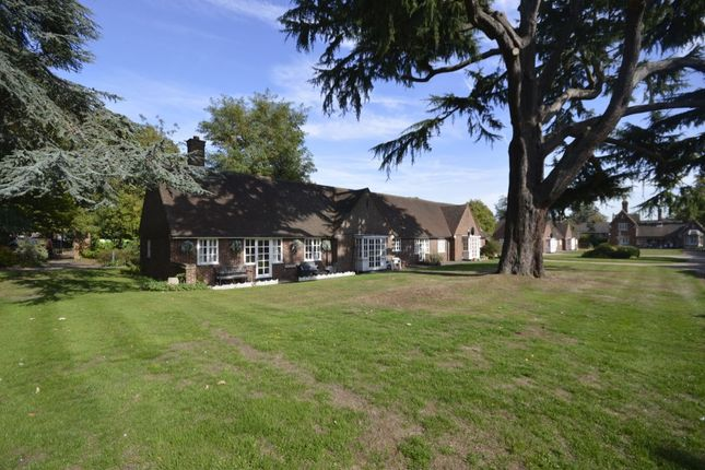 Thumbnail Bungalow for sale in Salters Gardens Church Road, Watford