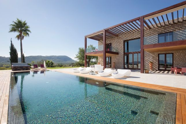 6 bed villa for sale in Port Pollensa - Formentor, Mallorca, Balearic Islands