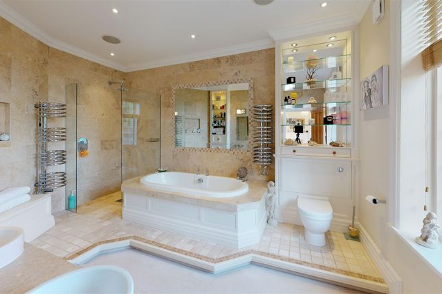 Normanton-Manor-Bathroom (3)