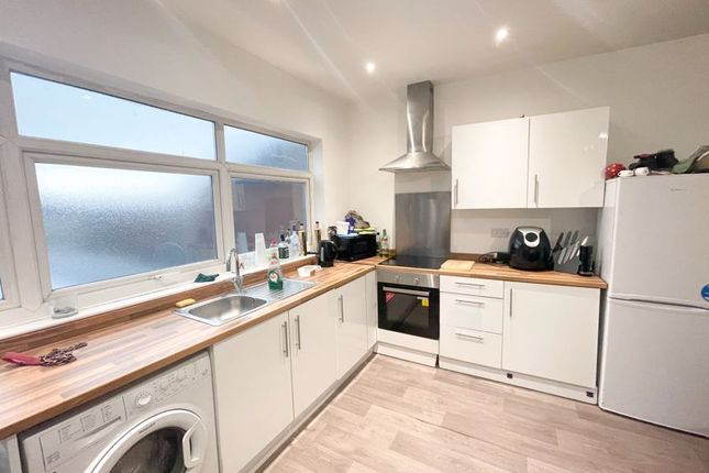 Thumbnail Flat to rent in Oswald Road, Scunthorpe